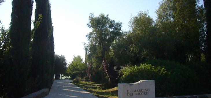 Il Giardino dei Ricordi del cimitero Prima Porta a Roma