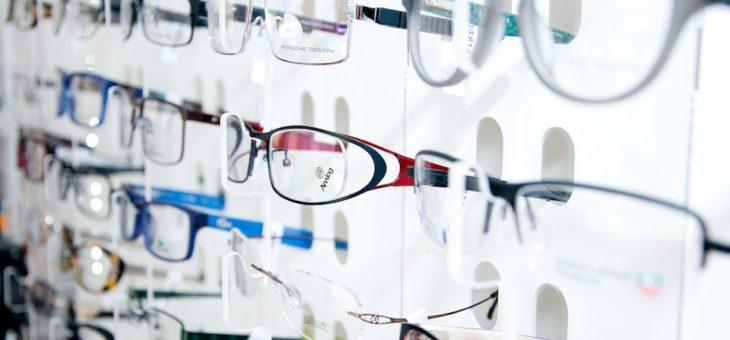 Come allestire la vetrina di un negozio di ottica? 4 trucchi